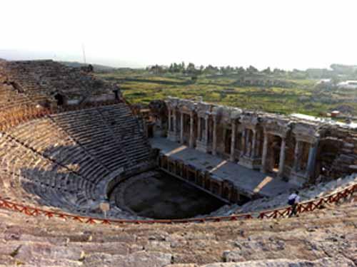 Tudi Turčija nudi oglede starodavne kulture - Starodavno mesto Hierapolis